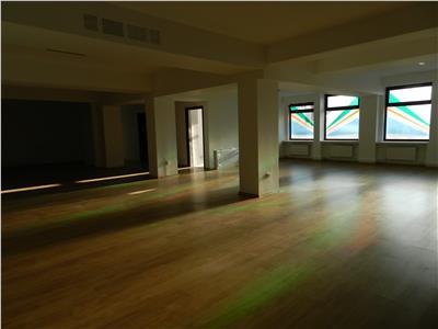 Spatiu birouri situat central, recent renovat