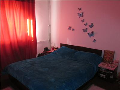 Apartament 2 camere decomandate, transformat in 3 camere