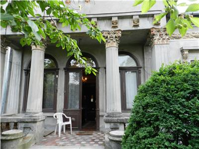 REDUCERE DE PRET: Casa monument istoric bine conservata