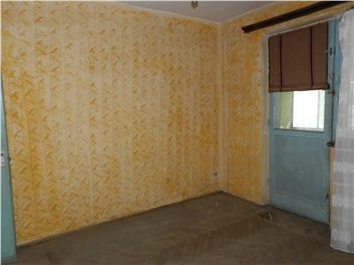 Apartament decomandat cu potential de spatiu comercial