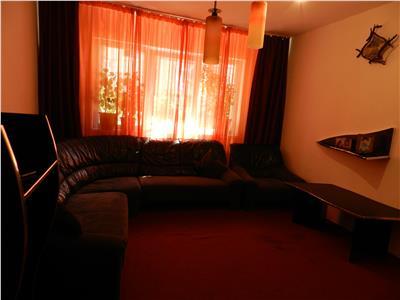 Apartament 3 camere semidecomandate, dotat cu centrala