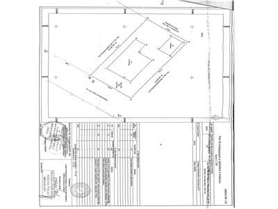 Casa de vanzare la rosu + materiale de constructie pentru finisare