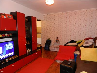 Apartament renovat, modern mobilat, dotat cu centala si AC