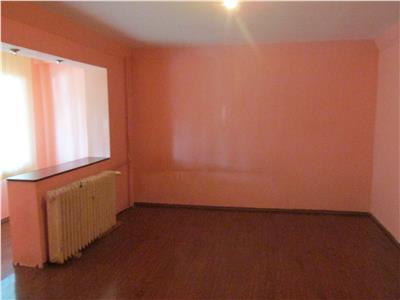 Apartament cu 2 came la parter-posibilitate spatiu