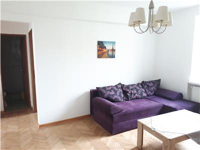 Apartament cu 3 camere in centru, langa Primarie