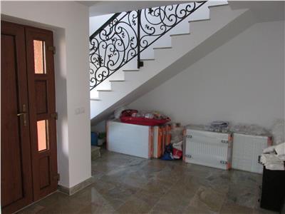 Casa spatioasa in zona Damila