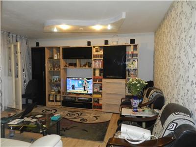 Apartament spatios, renovat, mobilat