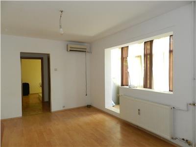 Apartament renovat in Brazda lui Novac - Vivaro, etaj 2