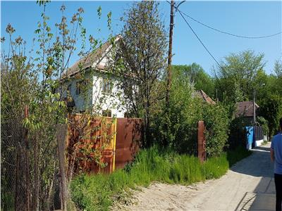 Vila 8 camere si 1370 mp teren in zona Parcul Romanescu