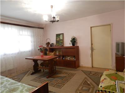 Apartament 2 camere, Rovine - zona Politia locala