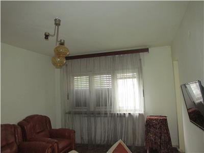 Apartament decomandat cu 4 cam 1 Mai-etaj 1