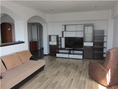 Apartament decomandat cu 3 camere - Stomatologie