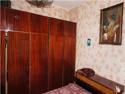 Apartament 4 camere decomandate zona 1 Mai