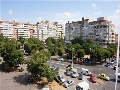 Apartament 3 camere decomandat zona Rovine