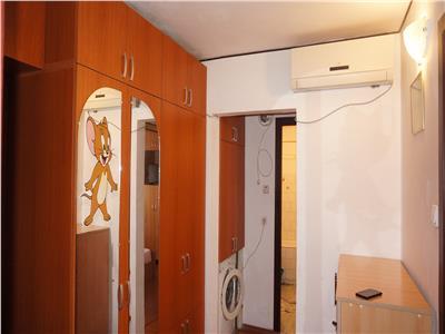 Apartament 2 camere decomandat Rovine