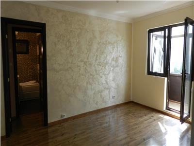 Apartament cu 3 camere in Craiovita Noua