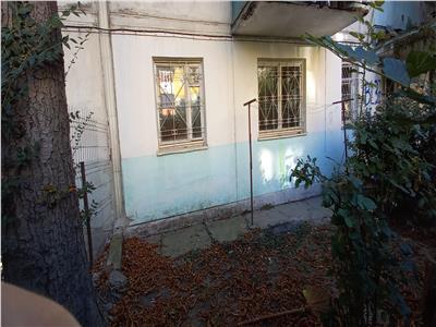 Apartament 2 camere, parter,zona intersectie George Enescu/Bd Oltenia