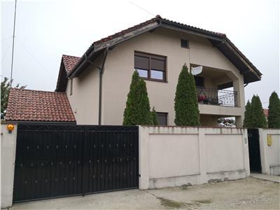 Casa deosebita de vanzare in Carcea
