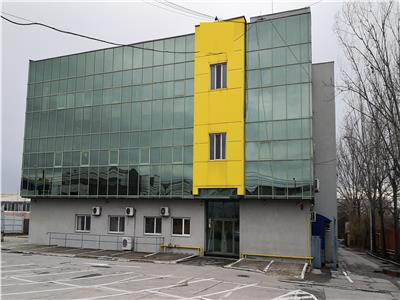 Cladire de birouri cu o suprafata utila de  2411 mp