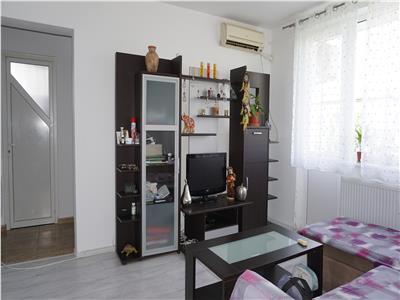 Apartament semidecomandat cu 2 camere